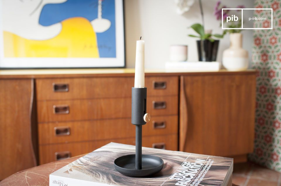 Granny Black Candlestick