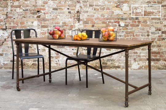 Grenelle dining table