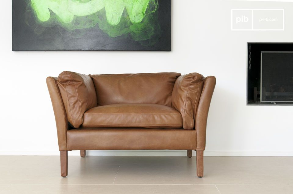 Perhaps one of the most successful and most beautiful leather armchairs in the vintage design category, just like the same-named sofa, the armchair Hamar presents a touch of Scandinavian vintage flair