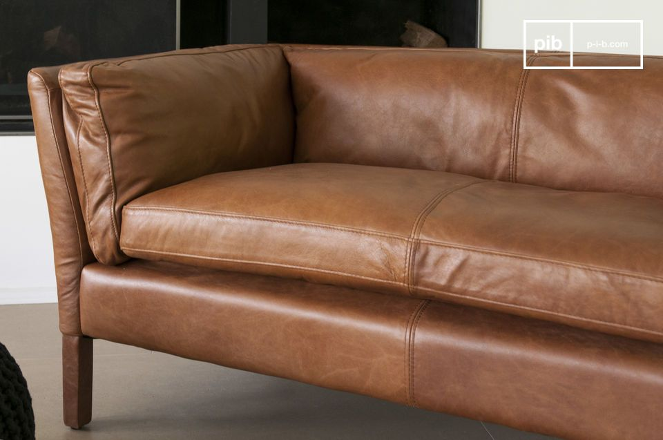 The sofa Hamar is probably one of the most successful leather sofas in the  vintage style  and