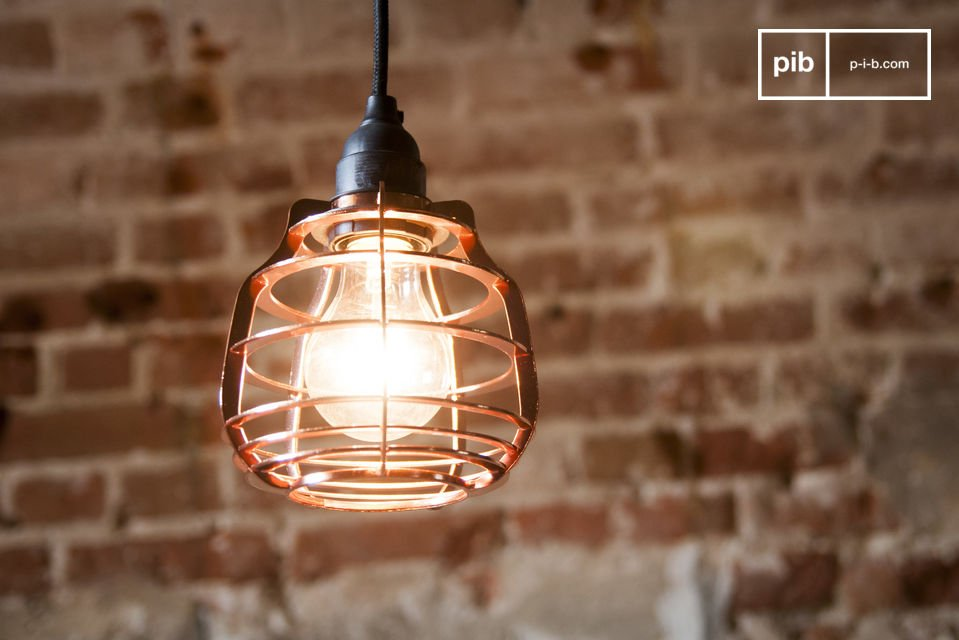 The Bristol hanging lamp is a lamp in neo-retro style which is inspired by old atelier lamps