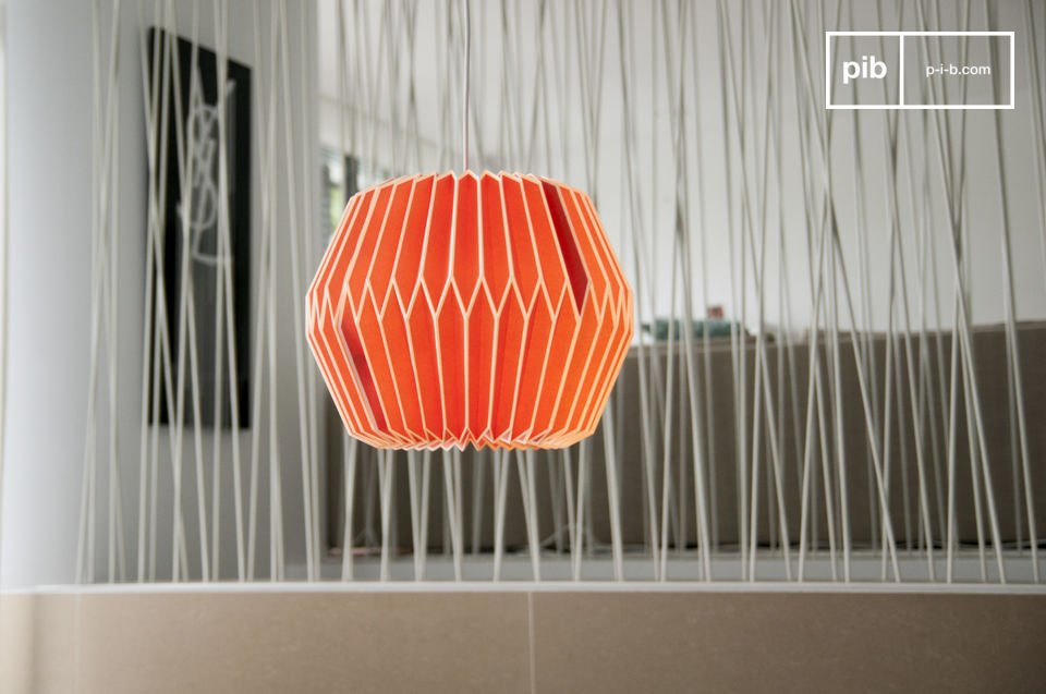 Bring a touch of colour to your room with this hanging lamp with a retro style