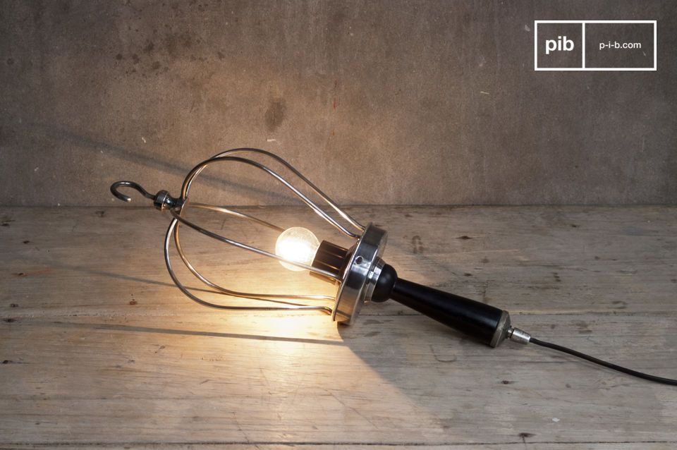 Suspend or lay down this lamp for that extra retro touch