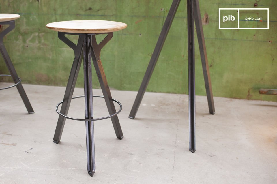 If you are searching for a stool with generous seat height combining elegance and industrial style, you\'ll have to look no further