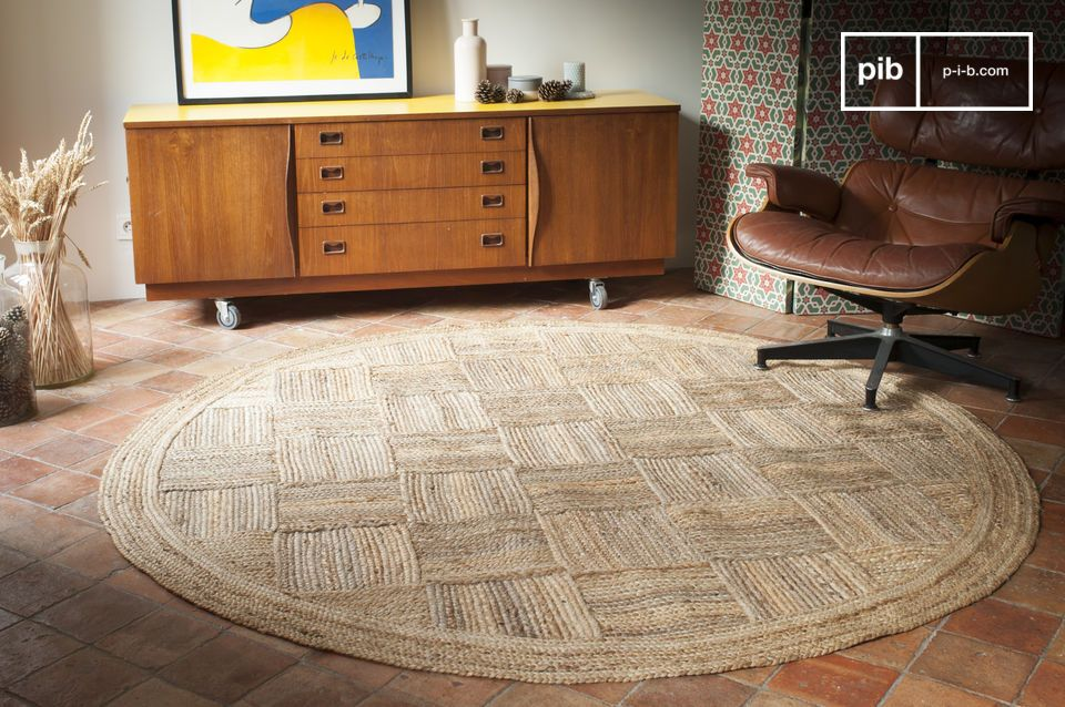 In a very natural style, the Williams rug is made of braided jute