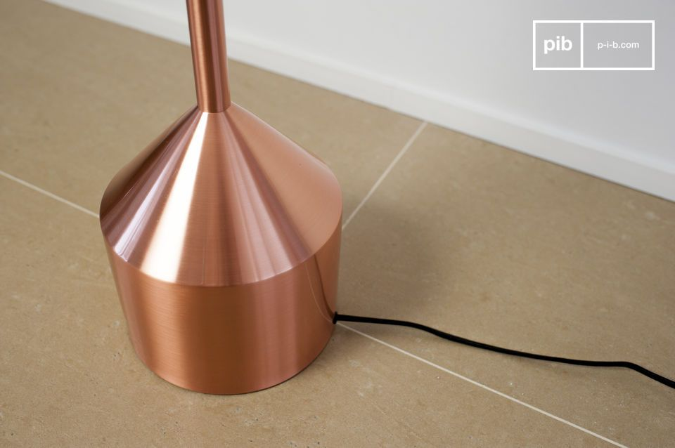 The Käsipa lamp is one of our vintage floor lamps that will add its sophisticated Scandinavian