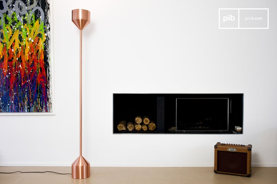 The standard lamp Käsipa is a great lamp that will add its sophisticated Scandinavian character to your interior