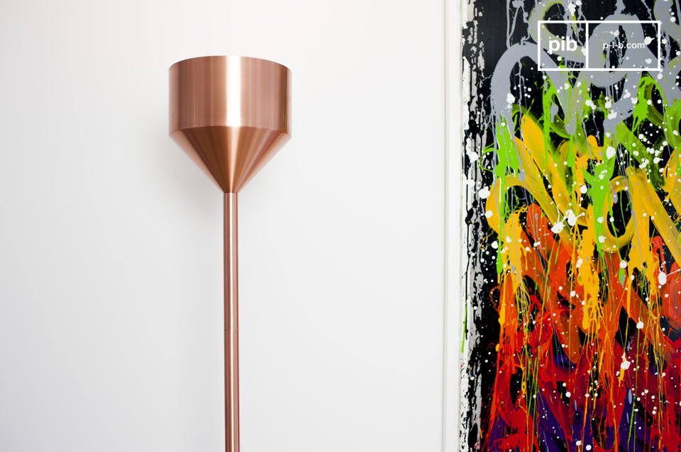 The large lamp with 183 cm is entirely made of metal that has been covered with a fine copper layer
