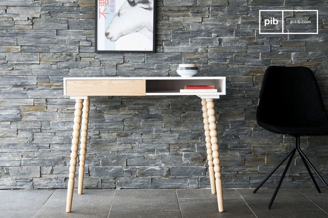 Katalina desk with a drawer