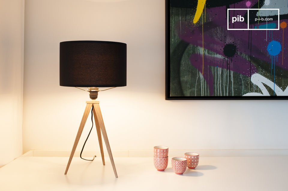 The table lamp Kavinskï is a great example of lights with that attractive scandinavian style