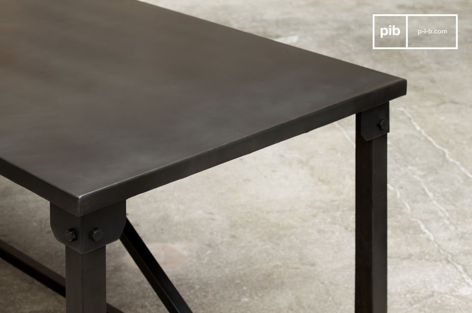 The  Kerizel dining table displays a decidedly industrial style with its square and sober line