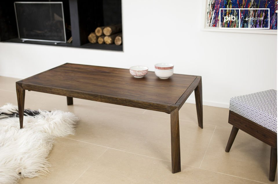The Kitell coffee table is a beautiful piece of furniture that brings elegance in to your living