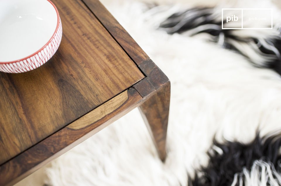 The charm of a vintage style Scandinavian coffee table