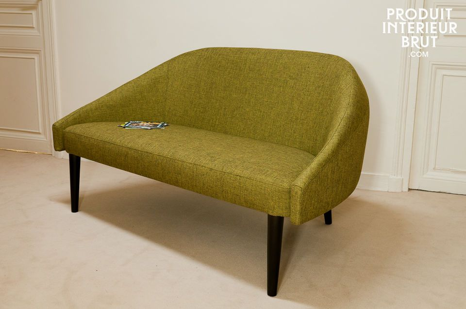 The Kurva sofa definitely bring back memories of the Scandinavian armchairs of the Sixties on