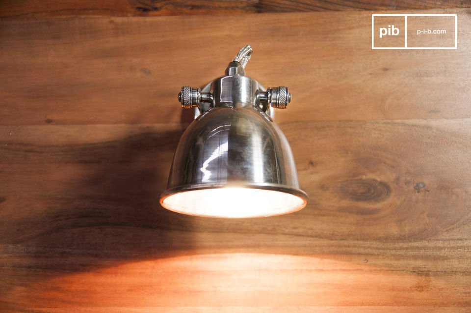 The large Bistro wall lamp is a timeless piece of lighting