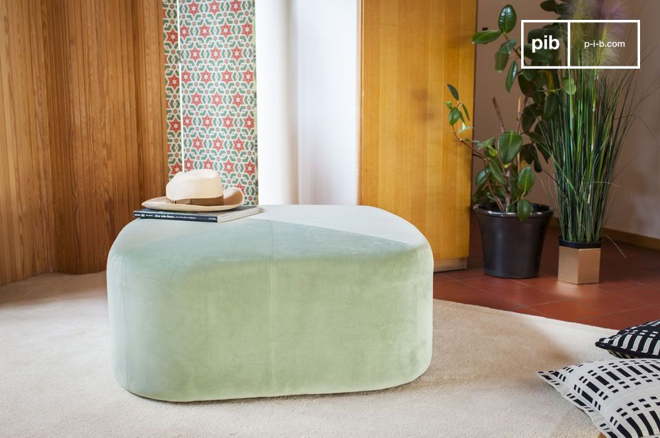 Pretty delicately vintage pouf in mint green velvet.