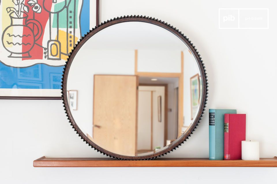 this mirror attracts the eye with its resolutely vintage oxidized look.
