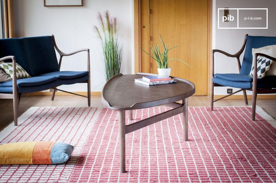 An ideal solid wood coffee table for mixed use