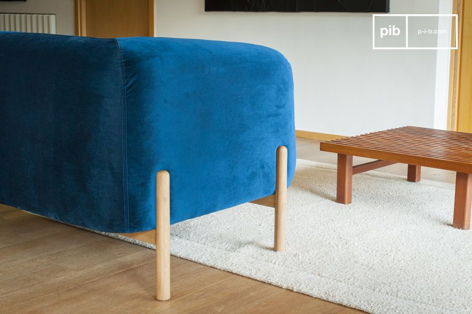 The solid wooden base is reminiscent of the Scandinavian look