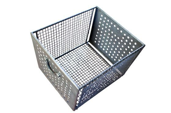 Large wire mesh basket Clipped