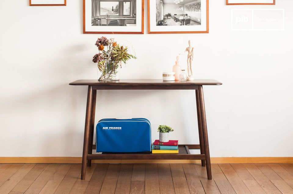 Larssön wooden console