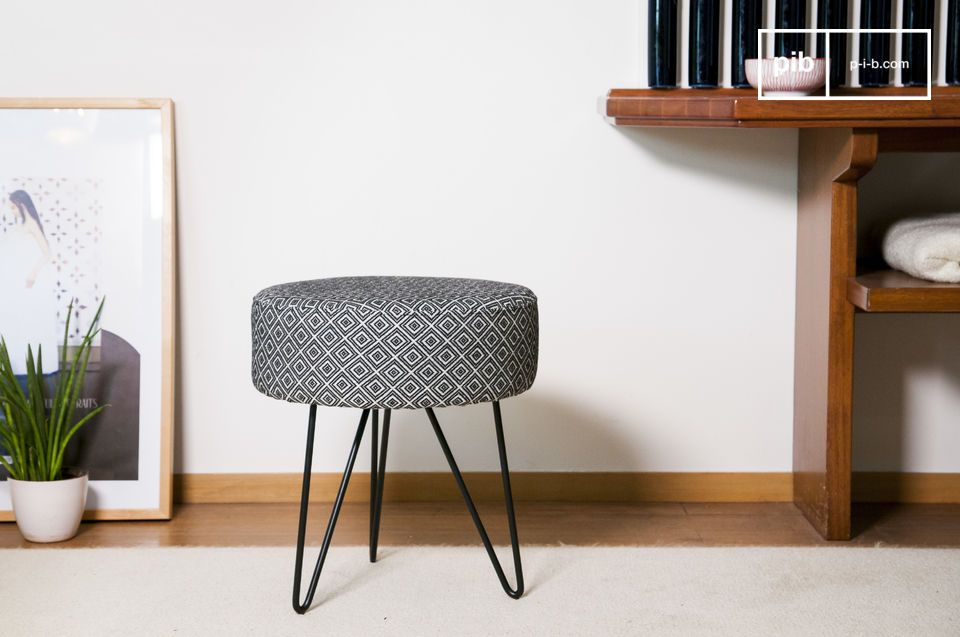 Leander Pouf Stand
