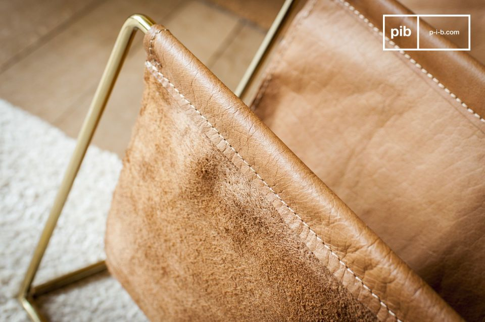 The folds of the leather reveal the back in fluffy nubuck.