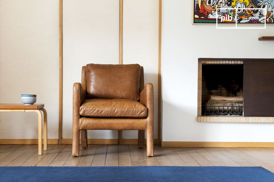 The finish of this armchair is extraordinary made out of full grain leather and precise seams