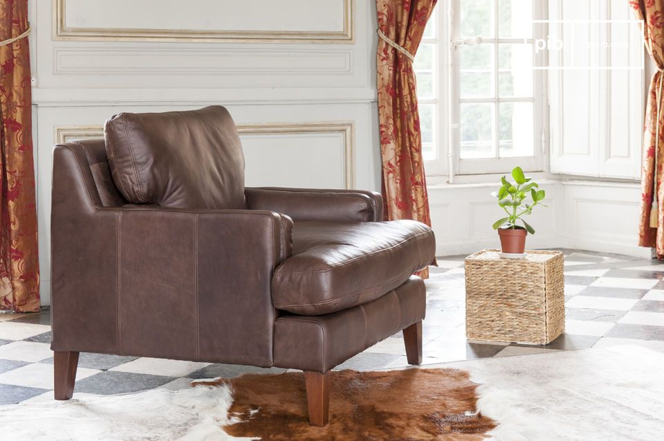 Timeless design, full grain leather and exceptional comfort