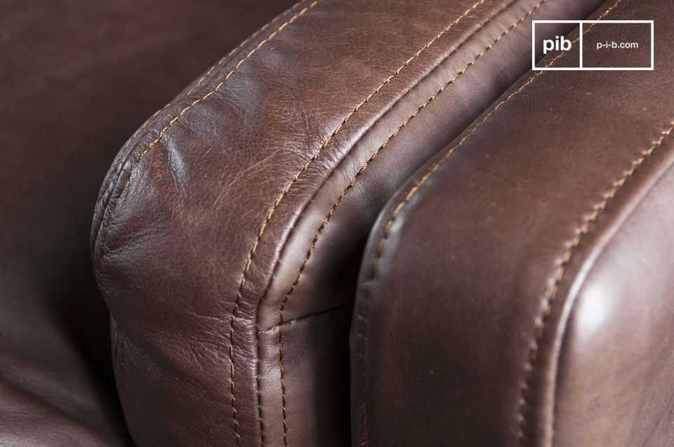 You will appreciate the manufacturing quality of the Sanary Leather sofa