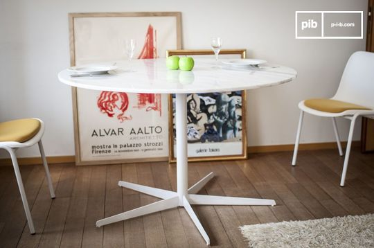 Lemvig white marble round table