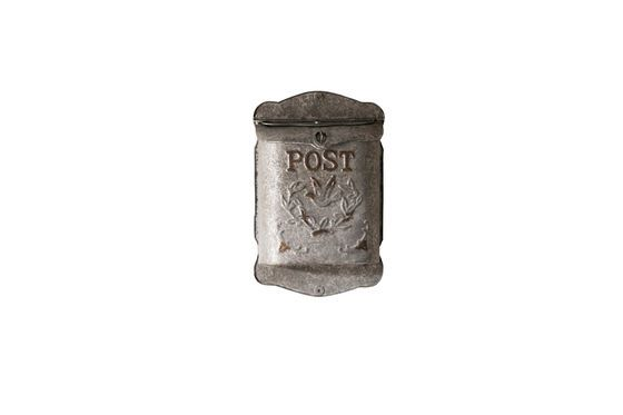 Letter box Post Clipped