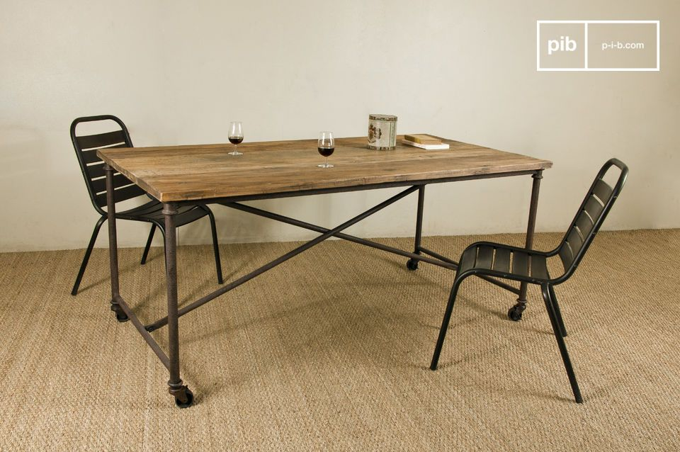 Lindsay Road dining table