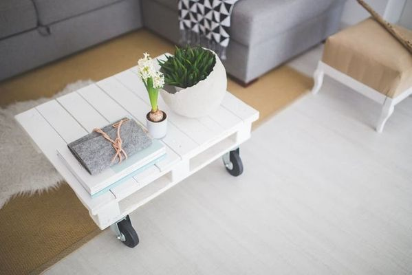 little coffee table with wheels