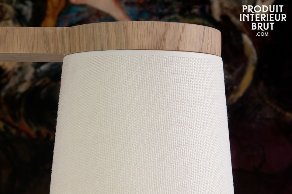 Sober and chic ceiling light in natural oak