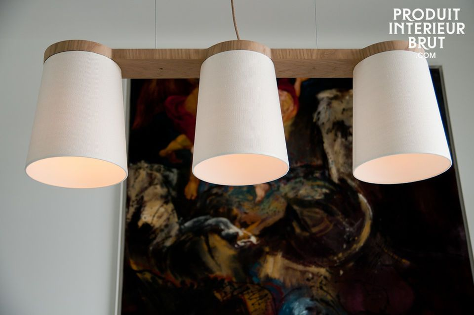 The pendant light is equipped for three E27 large screw light bulbs