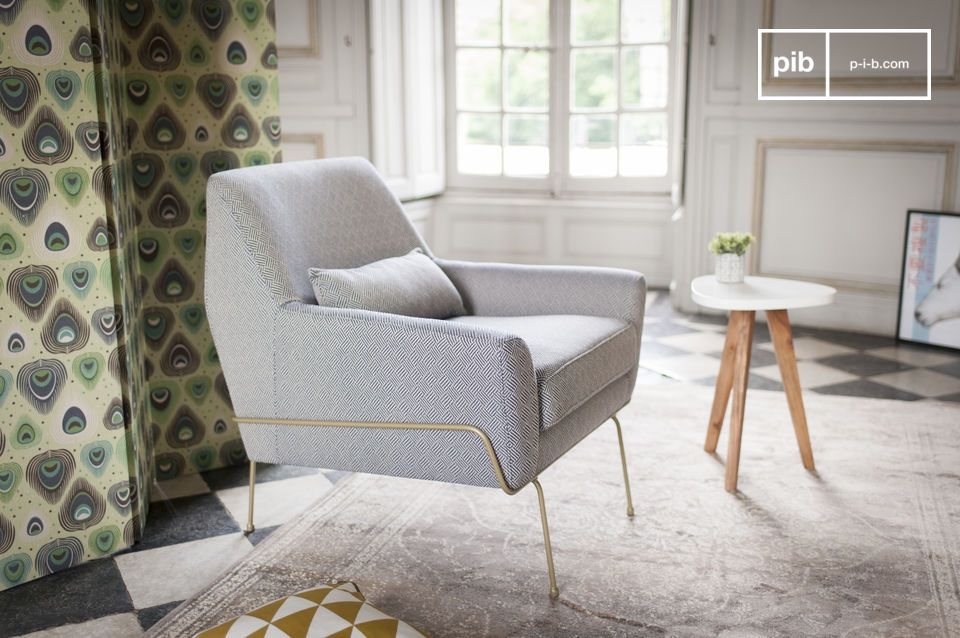 The lines of the chair are inspired by the Scandinavian style.