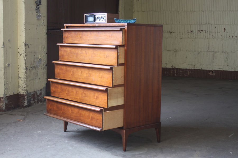 Main photo chest