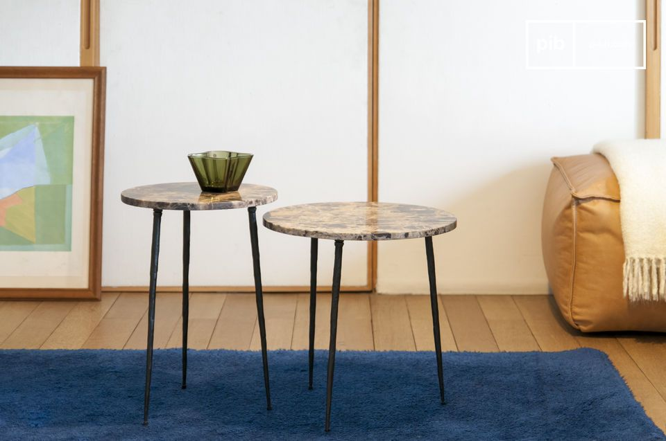 A marble side table with a graceful and elegant appearance