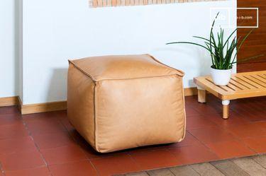 Marsliden leather pouf
