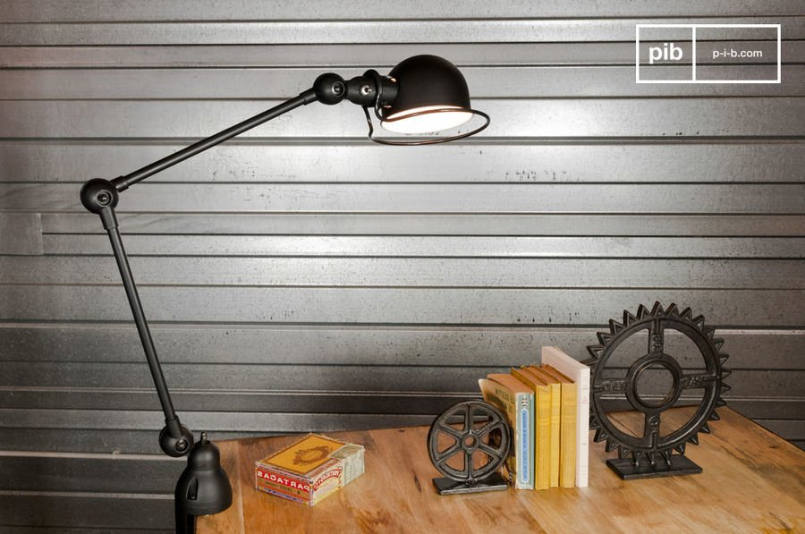 Mat Black Jieldé Loft Light With Clamp