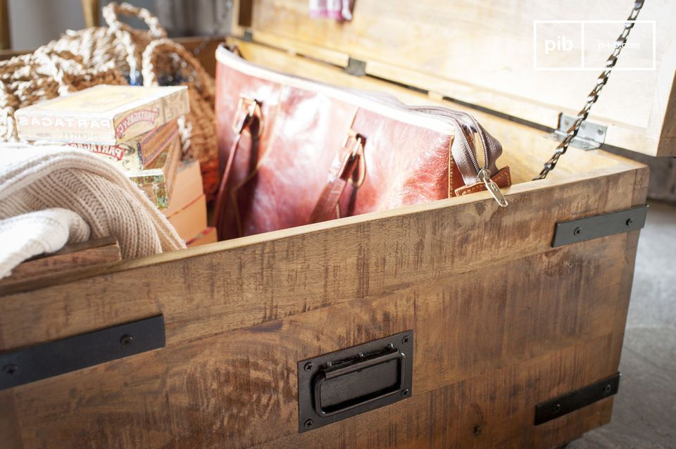 Inspired by traditional storage trunks