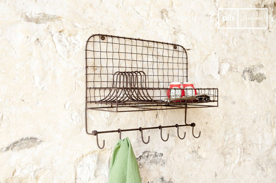 A practical wall accessory in metal decoration for the kitchen