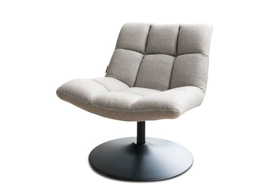 Mesh lounge chair Clipped