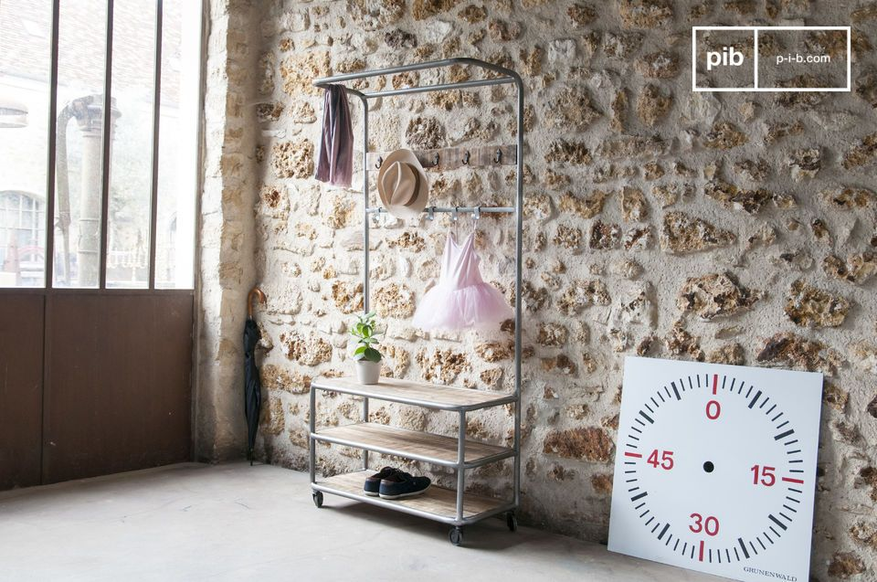 Mobile storage in an industrial vintage look