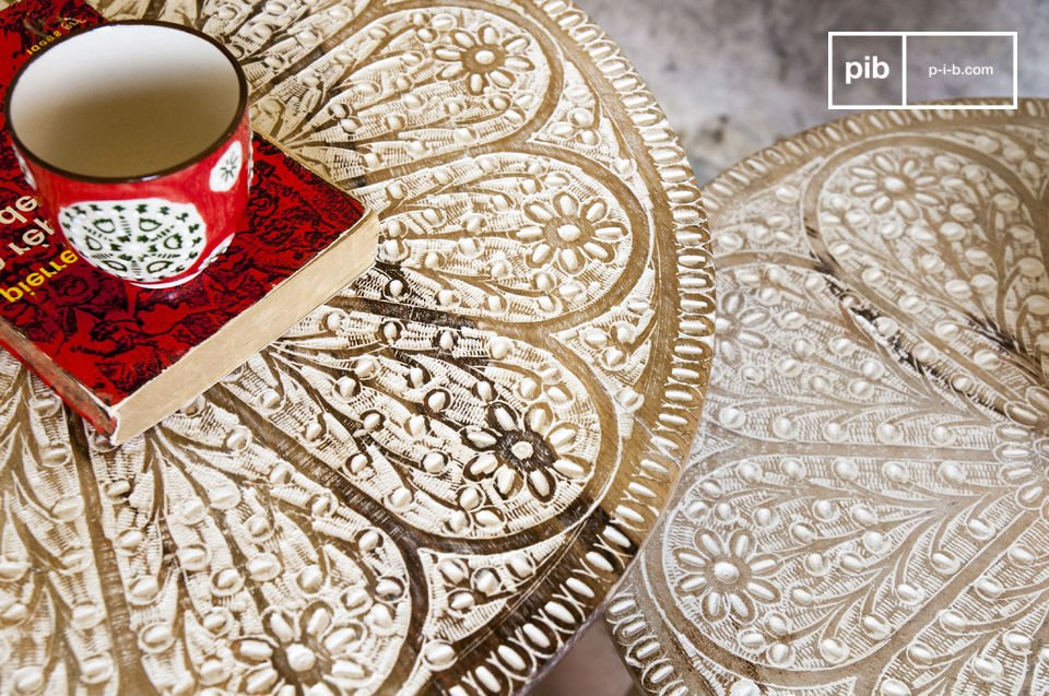 A duo of tables for a trendy and romantictouch