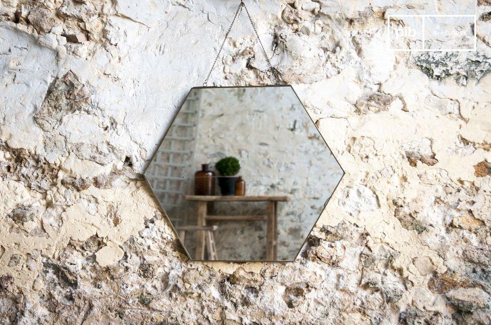 A simple mirror in vintage design