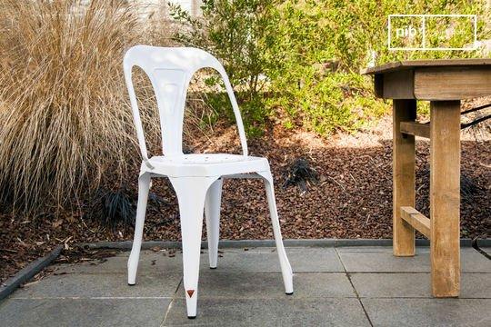 Multipl's chair white