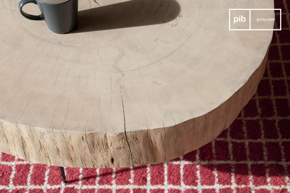 An organic and perfectly singular coffee table