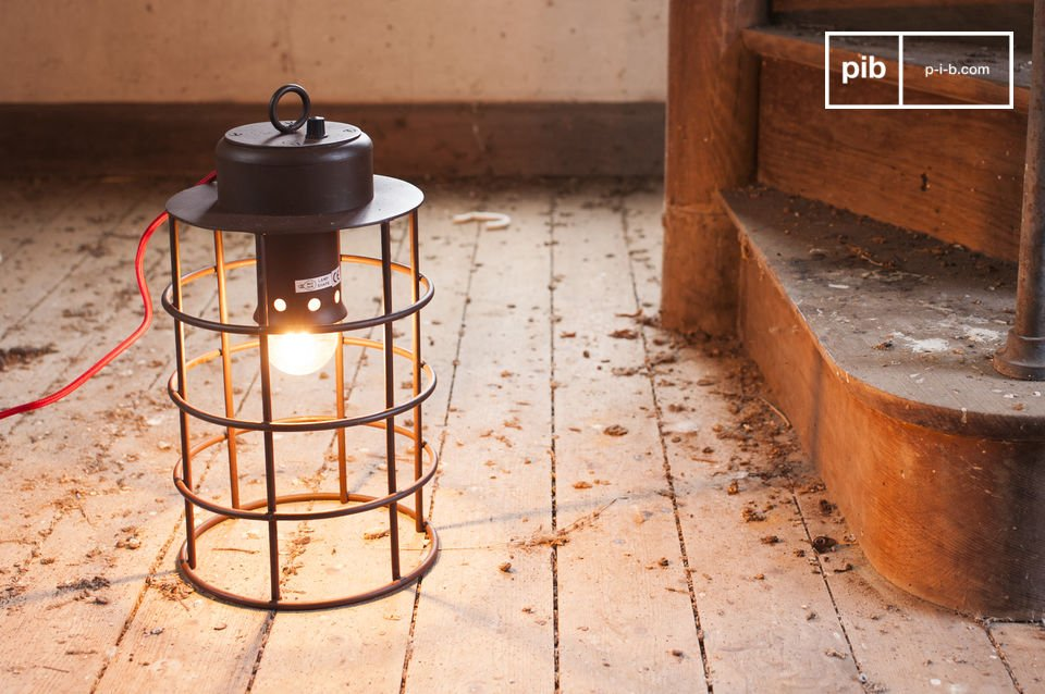 The lamp Nautilus has the industrial charm that will integrate perfctly into your home